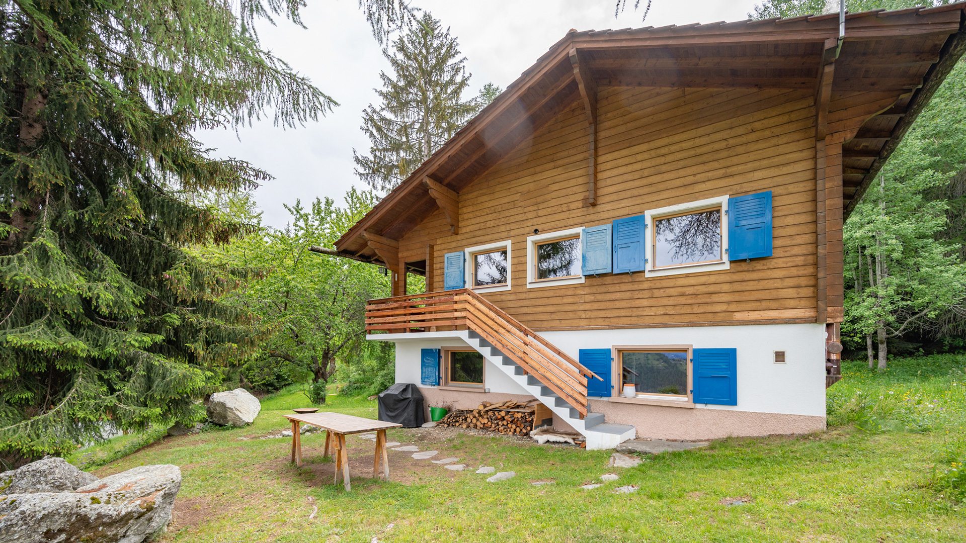 Le Foret Bleu Chalet, Switzerland