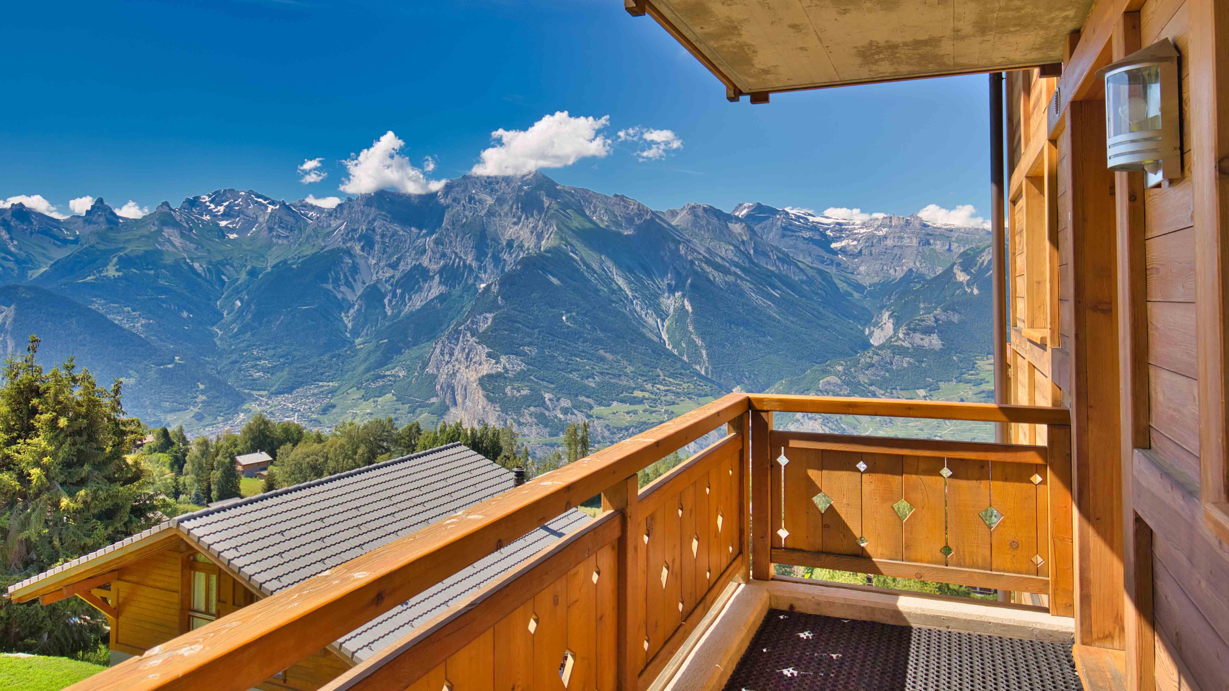 La Corniche Apartments, Switzerland