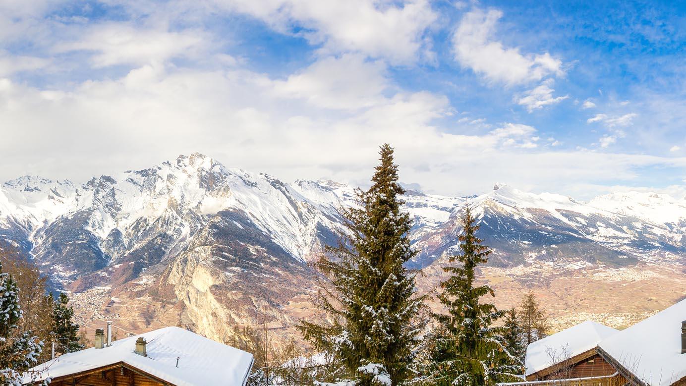 Le Paon Chalet, Switzerland