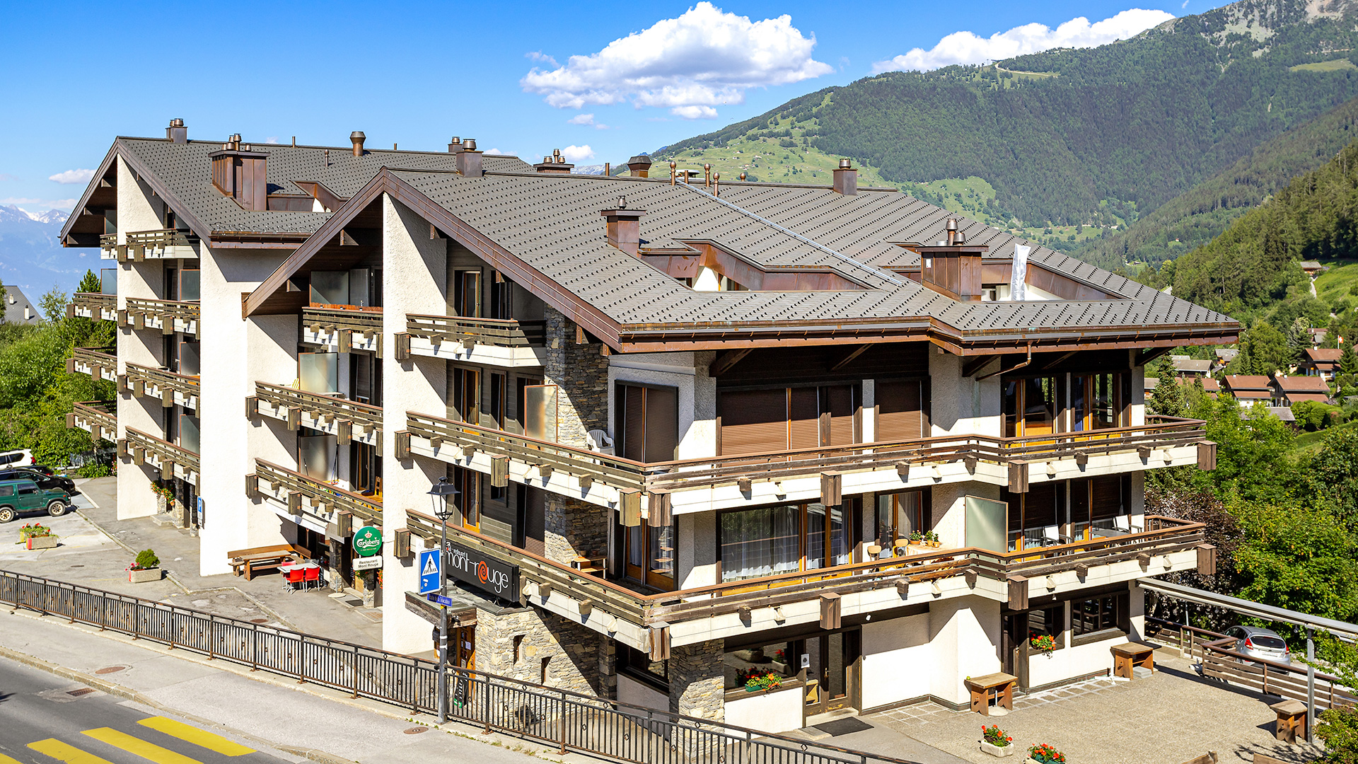 Mont Rouge Apartments, Switzerland