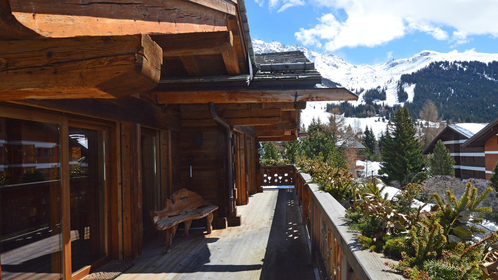 Chalet Shatoosh Chalet, Switzerland