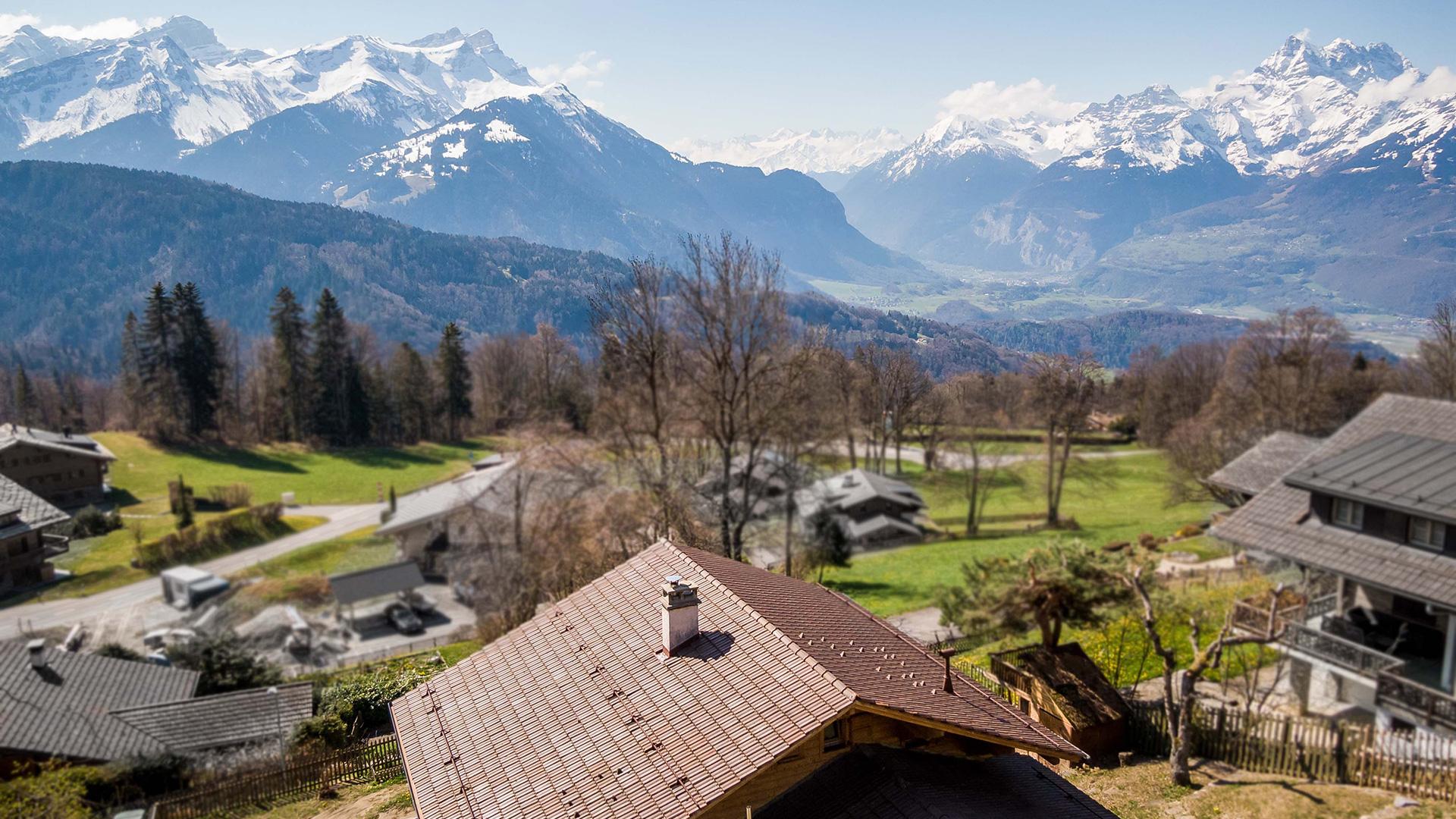 Domino Chalet, Switzerland